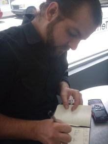 El escritor José Borges durante la entrevista.