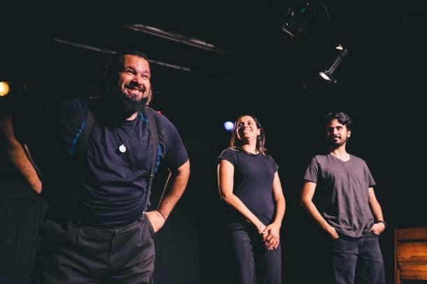"""Jibarito Improv Theater (JIT) en una de sus presentaciones de Impro al Cubo. Fotos: Daniela Paola """"SUPAKID""""."""